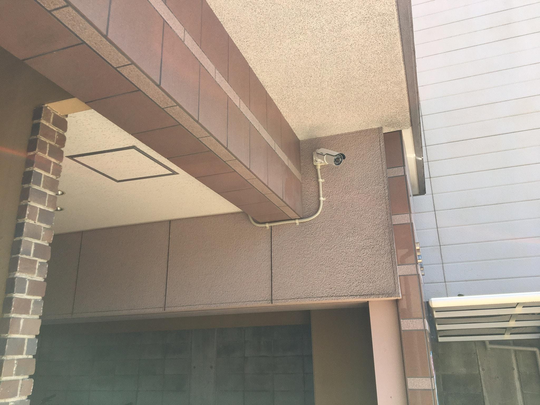 入口カメラ2